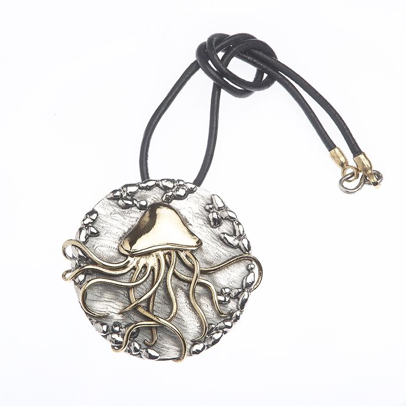 Enfasi Gioielli\Collezione Medusa\ PD 550 € 210,00